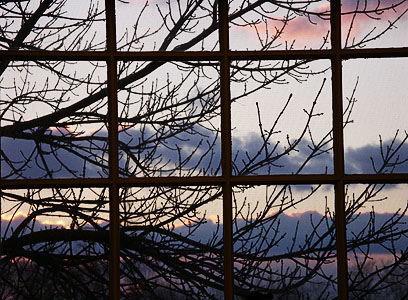 sunset-window-jan05.jpg