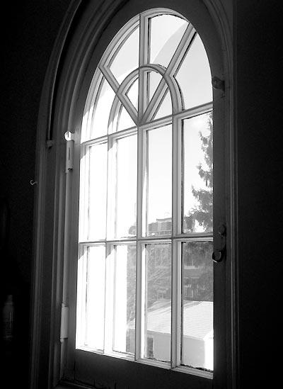 050227_window.jpg